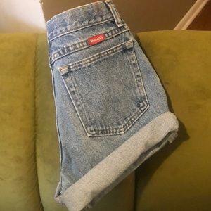 High waisted Wrangler shorts!
